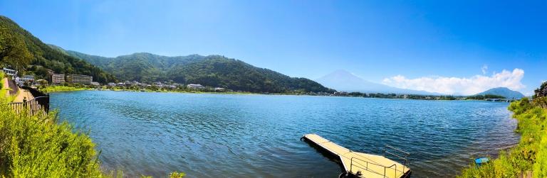 最後は河口湖畔のパノラマ。