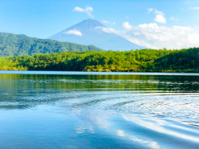 富士と波紋。