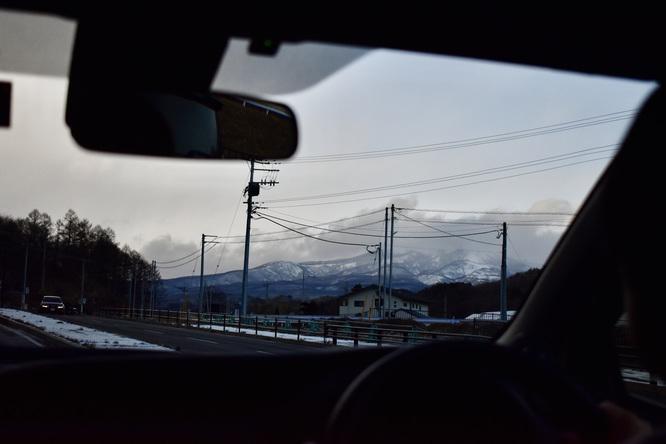埼玉→草津温泉の車窓_雪山