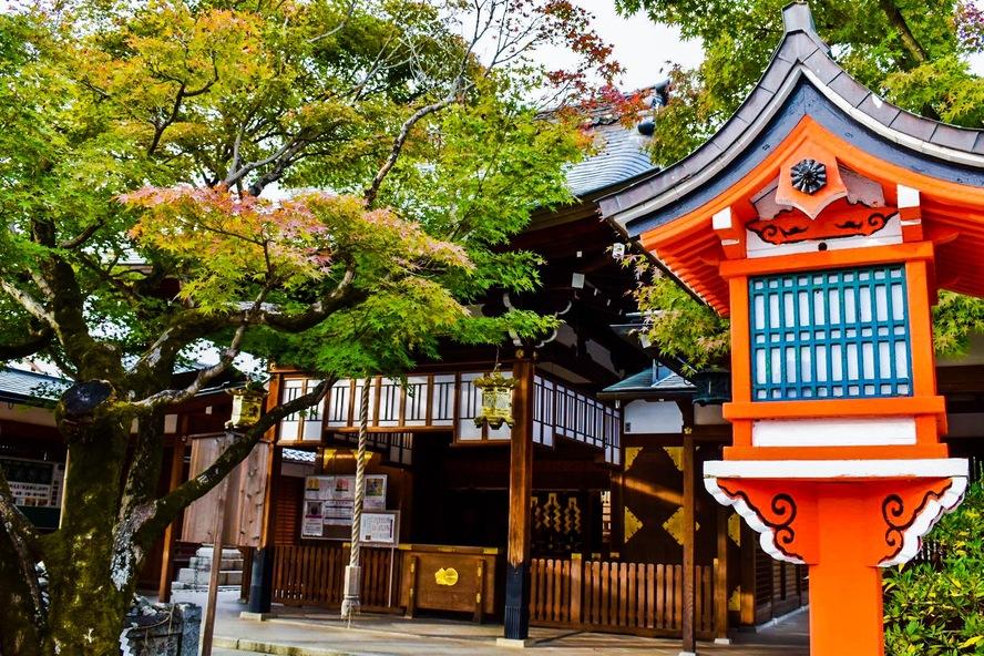 嵐山・車折神社の本殿