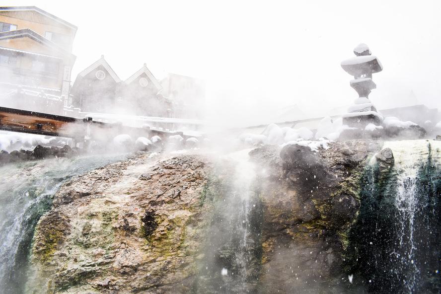 草津温泉_湯畑の滝