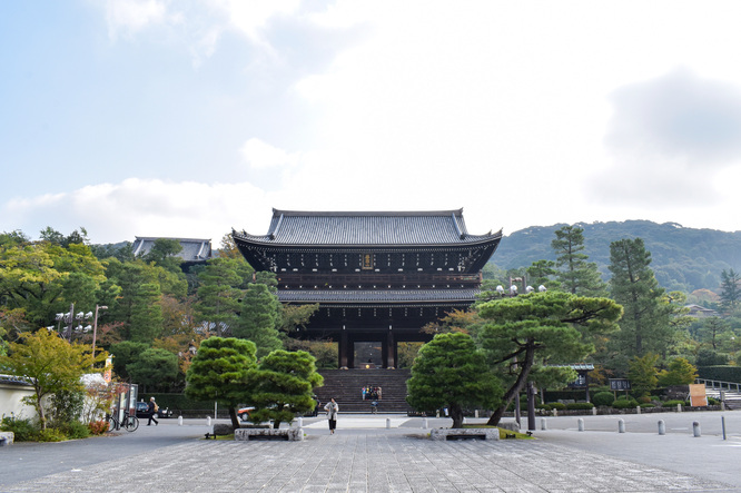 古都・京都の自然_鴨川と知恩院
