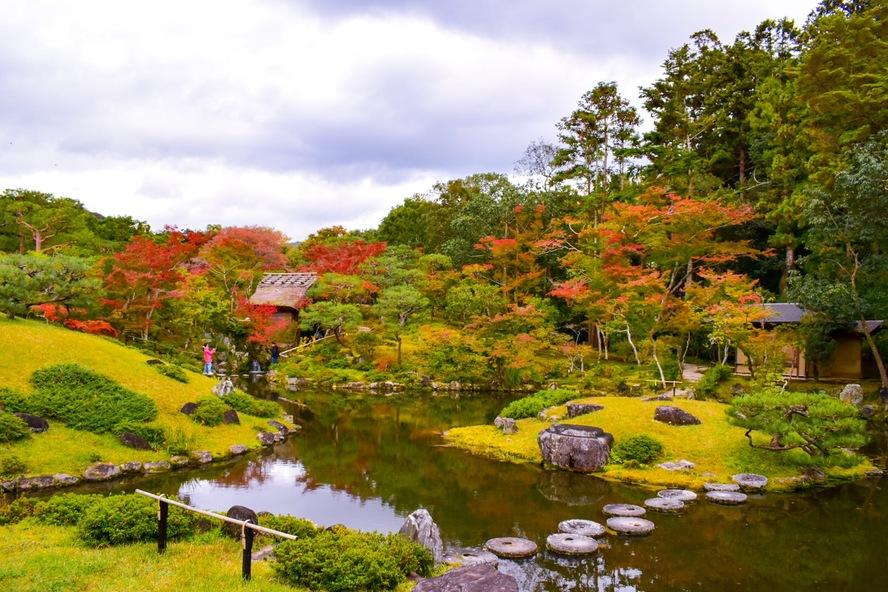 依水園の紅葉と庭園_奈良公園の見どころ