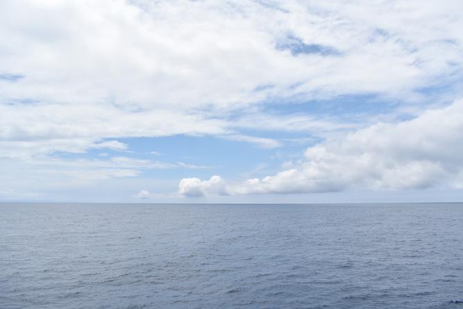 屋久島_フェリーからの風景_海と地平線