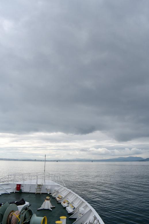 屋久島_フェリーからの風景_海と桜島と鹿児島