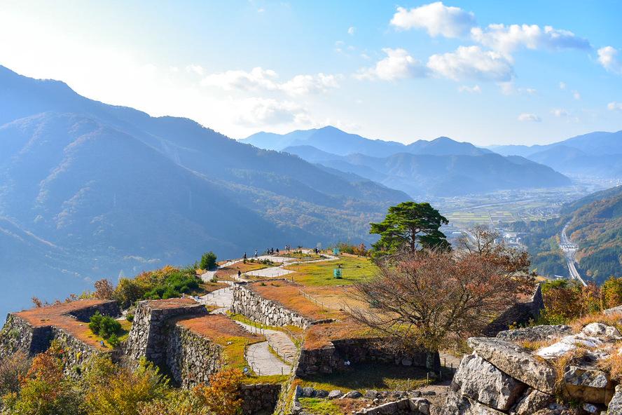 竹田城跡の見どころ_天守台から南千畳を眺める_天空の城ラピュタ
