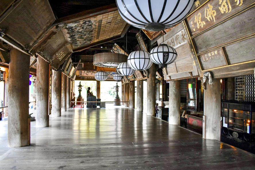 長谷寺・奈良の見どころ_本殿と礼堂と舞台