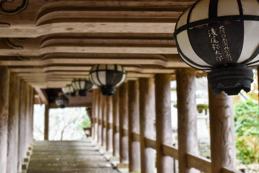 長谷寺・奈良の見どころ_登廊と提灯