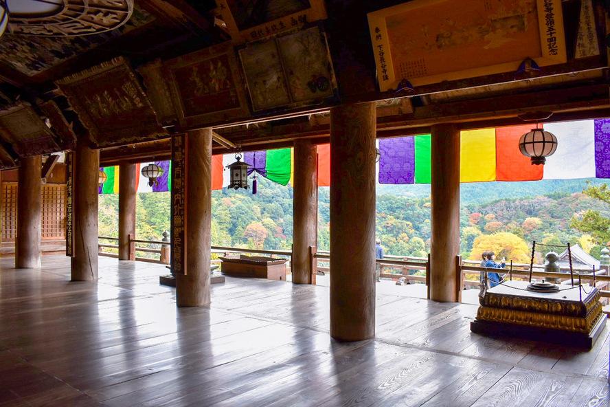 長谷寺・奈良の見どころ_礼堂と舞台
